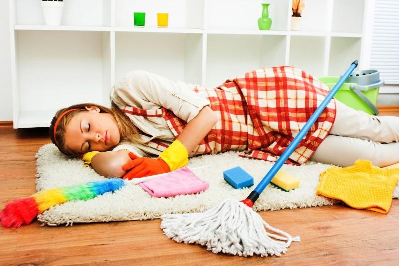 лень убираться дома